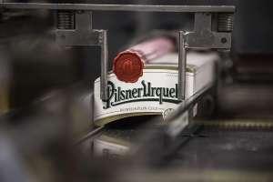 detalle de etiquetas para cervezas artesanales